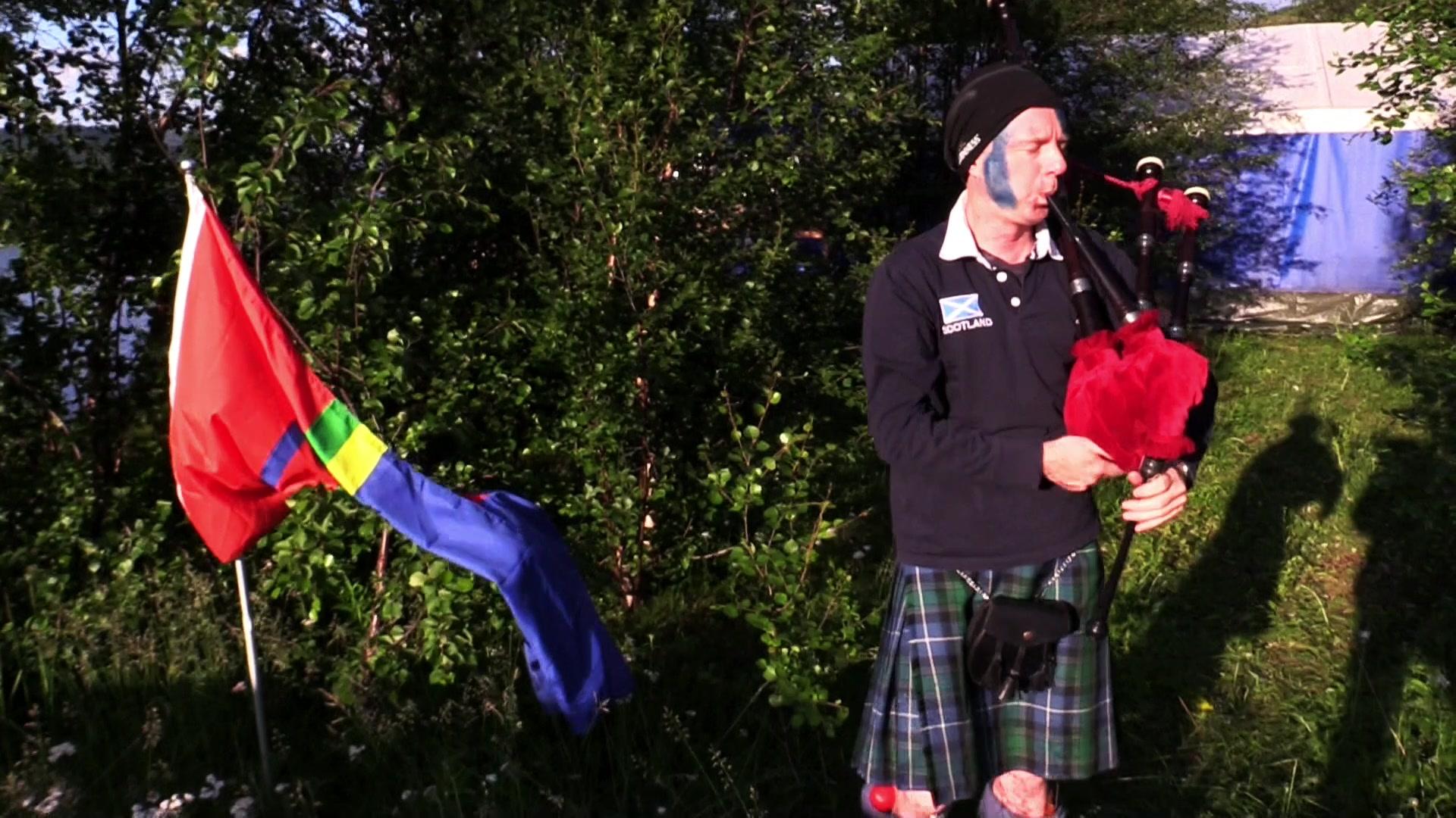 Uventet musikalsk støtte til samene i Tanadalen fra Skottland