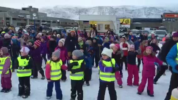 Danset på torget i Lakselv